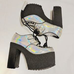 NWT Current Mood Holographic Platform Creepers